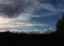 Nubes en el cielo en Barcelona Imágenes de archivo libres de regalías