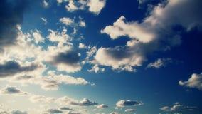 Nubes en el cielo, lapso de tiempo almacen de metraje de vídeo