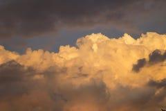 Nubes en el horizonte imágenes de archivo libres de regalías