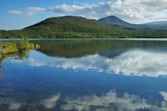 Nubes en el lago Imagen de archivo libre de regalías