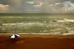 Nubes en la playa #2 Foto de archivo libre de regalías