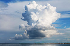 nubes gigantes Imagen de archivo