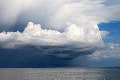 nubes gigantes Foto de archivo libre de regalías