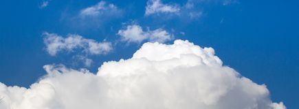 Nubes grandes Imagen de archivo libre de regalías