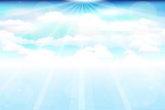 Nubes hermosas con los rayos Imágenes de archivo libres de regalías