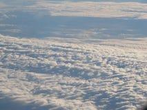 Nubes hermosas de un bird& x27; opinión del s-ojo imagen de archivo libre de regalías