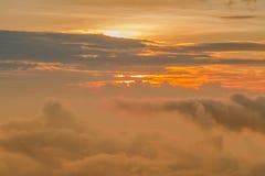 Nubes hermosas del airplande Imágenes de archivo libres de regalías