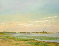 Nubes iluminadas por el sol sobre el río en la estepa, aceite de pintura en lona fotos de archivo