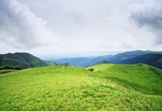 Nubes inferiores sobre la colina Imagen de archivo