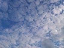 Nubes lanosas Imagen de archivo
