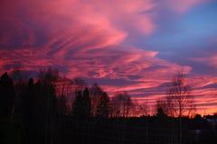 Nubes púrpuras en Noruega Foto de archivo libre de regalías
