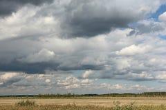 Nubes pesadas Foto de archivo libre de regalías