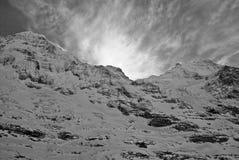 Nubes que forman detrás del Eiger Imágenes de archivo libres de regalías