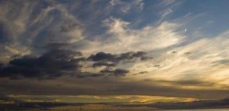 Nubes que viajan Foto de archivo