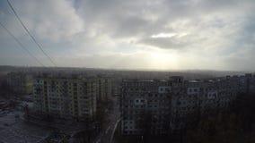 Nubes rápidas en sol del invierno almacen de video