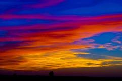 Nubes rojas sobre una granja Fotografía de archivo libre de regalías