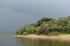 Nubes sobre el río Oka Foto de archivo libre de regalías