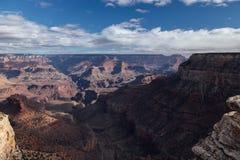 Nubes sobre Grand Canyon, AZ del día Foto de archivo libre de regalías