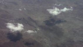 Nubes sobre la península árabe almacen de metraje de vídeo