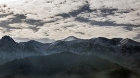 Nubes sobre las montañas de Tatra Fotos de archivo libres de regalías