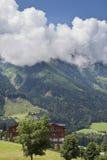 Nubes sobre las montan@as Imágenes de archivo libres de regalías