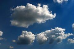 Nubes sostenidas Imagen de archivo libre de regalías