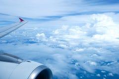 Nubes y cielo en una altura de 25,000feet Imagen de archivo