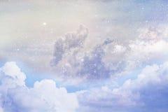 Nubes y espacio imágenes de archivo libres de regalías
