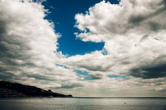 Nubes y mar Foto de archivo libre de regalías