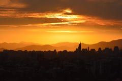 Nubes y paisaje de la puesta del sol fotos de archivo libres de regalías