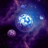 Nubes y planetas púrpuras del espacio Fotos de archivo libres de regalías