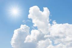 Nubes y sol Fotografía de archivo libre de regalías