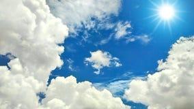 Nubes y sol Fotos de archivo