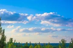 Nubi bianche nel cielo Fotografie Stock