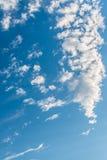Nubi con cielo blu Immagine Stock