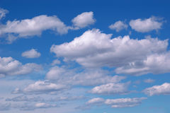 Nubi con cielo blu Fotografia Stock Libera da Diritti