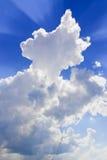 Nubi con i raggi Fotografie Stock