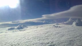 Nubi da sopra Immagine Stock