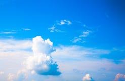 Nubi del cielo blu fotografia stock libera da diritti