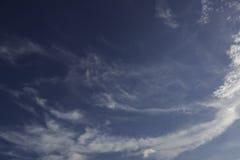 Nubi del cielo blu Immagine Stock