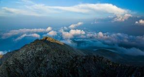 Nubi di alta montagna Fotografia Stock