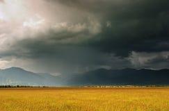 Nubi di tempesta fotografie stock