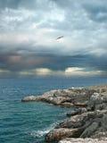Nubi di tempesta sopra il mare. Fotografie Stock Libere da Diritti