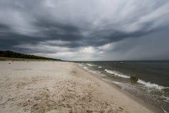 Nubi di tempesta sopra il mare Fotografia Stock Libera da Diritti