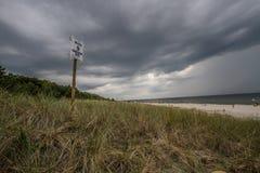 Nubi di tempesta sopra il mare Immagine Stock Libera da Diritti