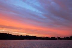 Nubi di tramonto nel palazzo di estate Fotografie Stock