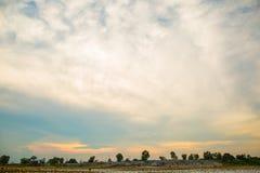 Nubi e cielo blu Fotografia Stock
