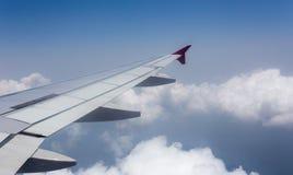 Nubi e cielo blu bianchi Fotografie Stock Libere da Diritti