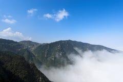 Nubi e foschia in lushan immagine stock libera da diritti