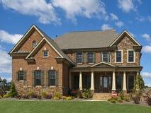 Portico esterno di vista frontale della casa di lusso di for Fotografie di case